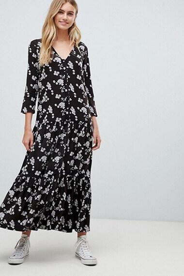 robe fleurie à fond noir