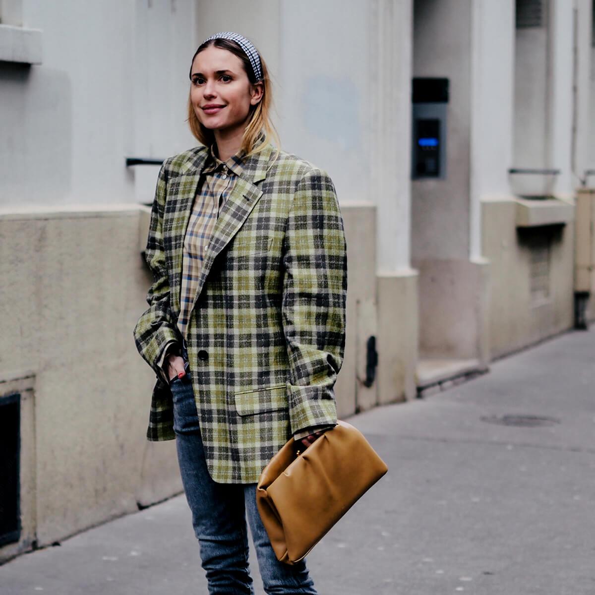Veste à petits carreaux : une pièce à la mode