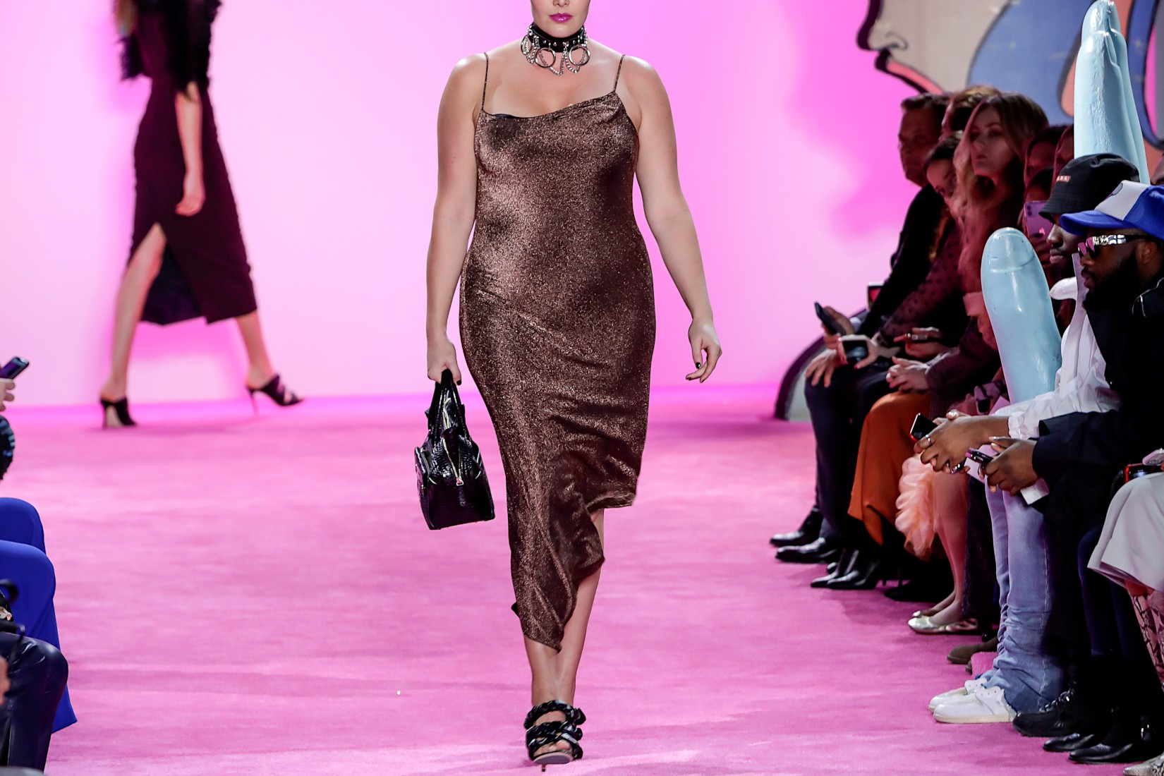 Slip dress : un basique mode qui reste au top