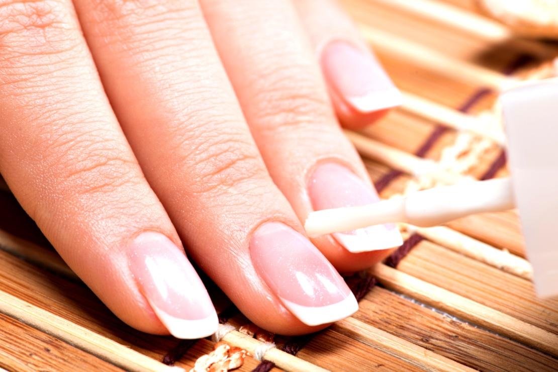 Réaliser une French Manucure : le tutoriel