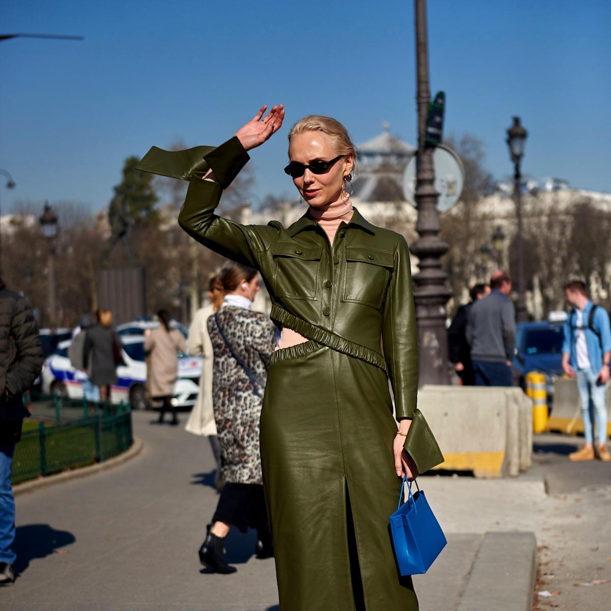 Anatomie d'un look : une tenue avec une robe en cuir