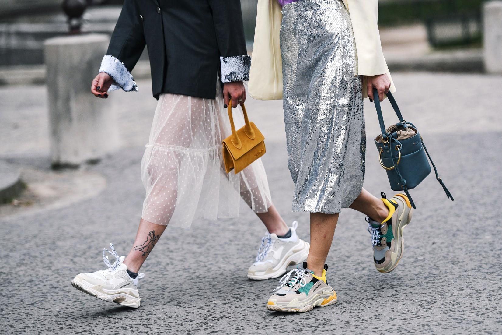 Comment porter le blazer avec une jupe/robe transparente
