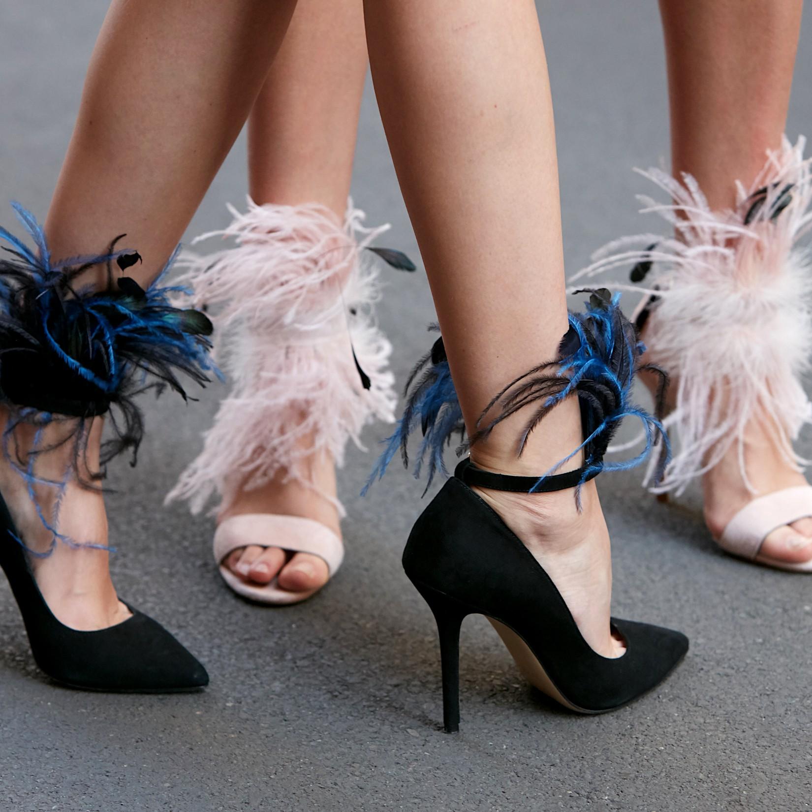 Chaussures à plumes : une idée en soirée