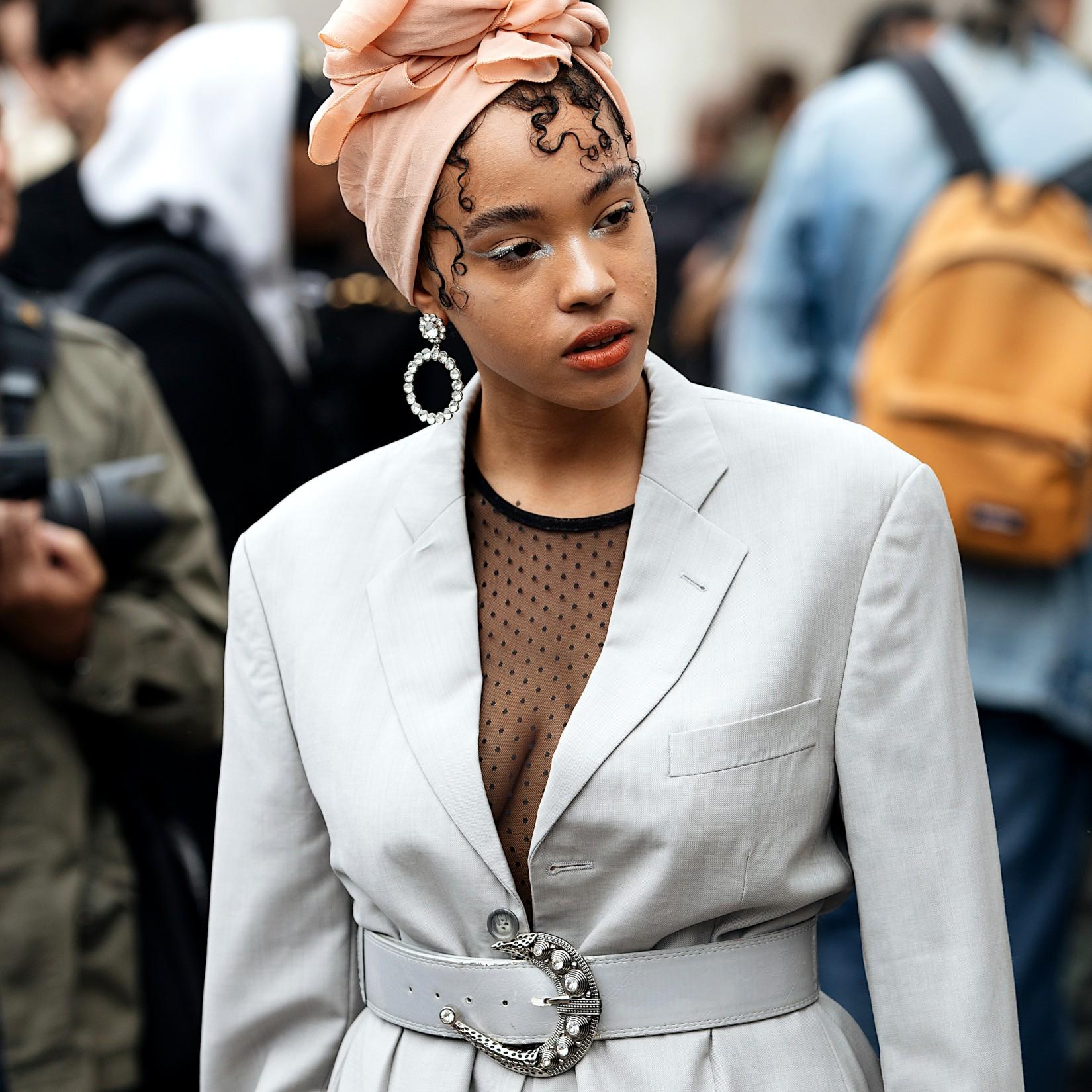 Look de Fashion Week : porter le turban