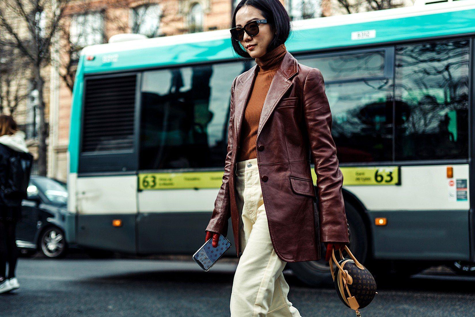 Porter la veste en cuir: 7 tenues inspirantes