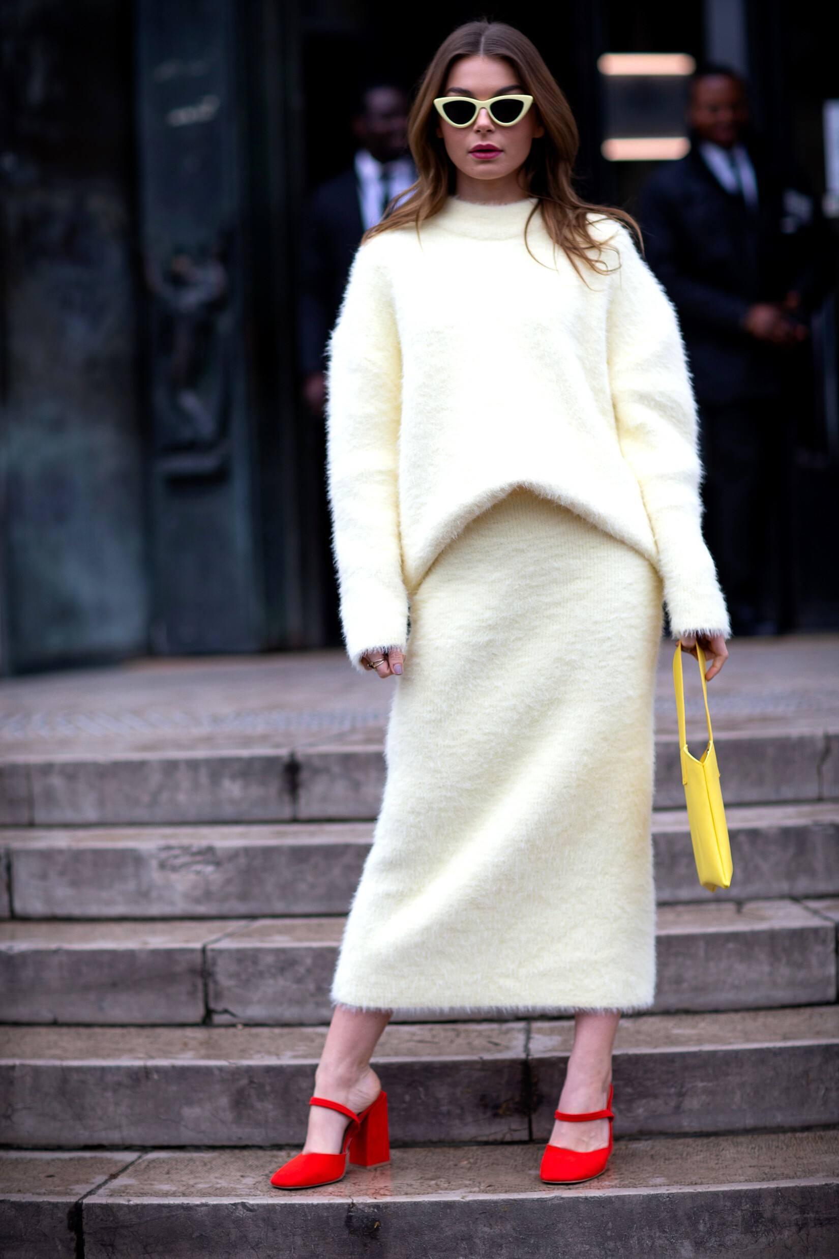 Comment porter un pull avec une jupe: 9 tenues