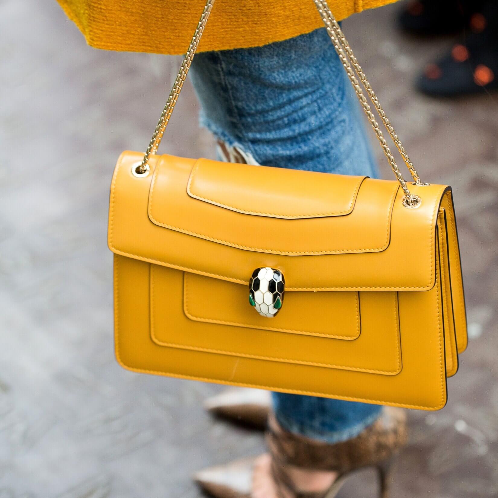 10 sacs jaunes pour changer du cuir noir