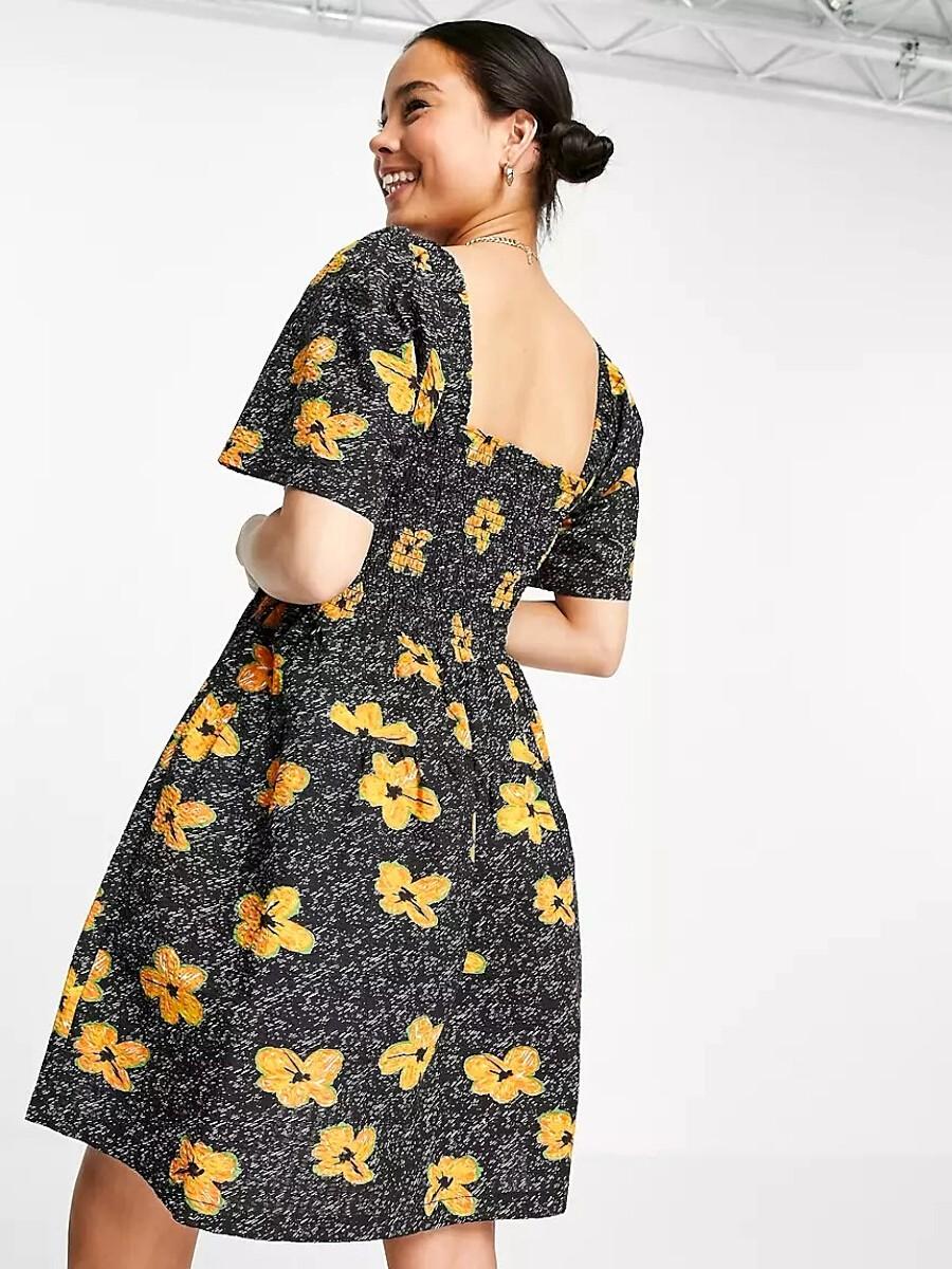Robe smockée courte du style girly à imprimés