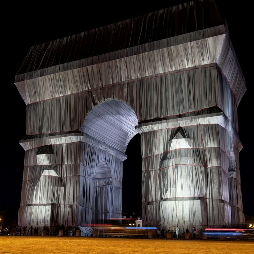 Pourquoi l'Arc de Triomphe à Paris a-t-il été « emballé » par Christo